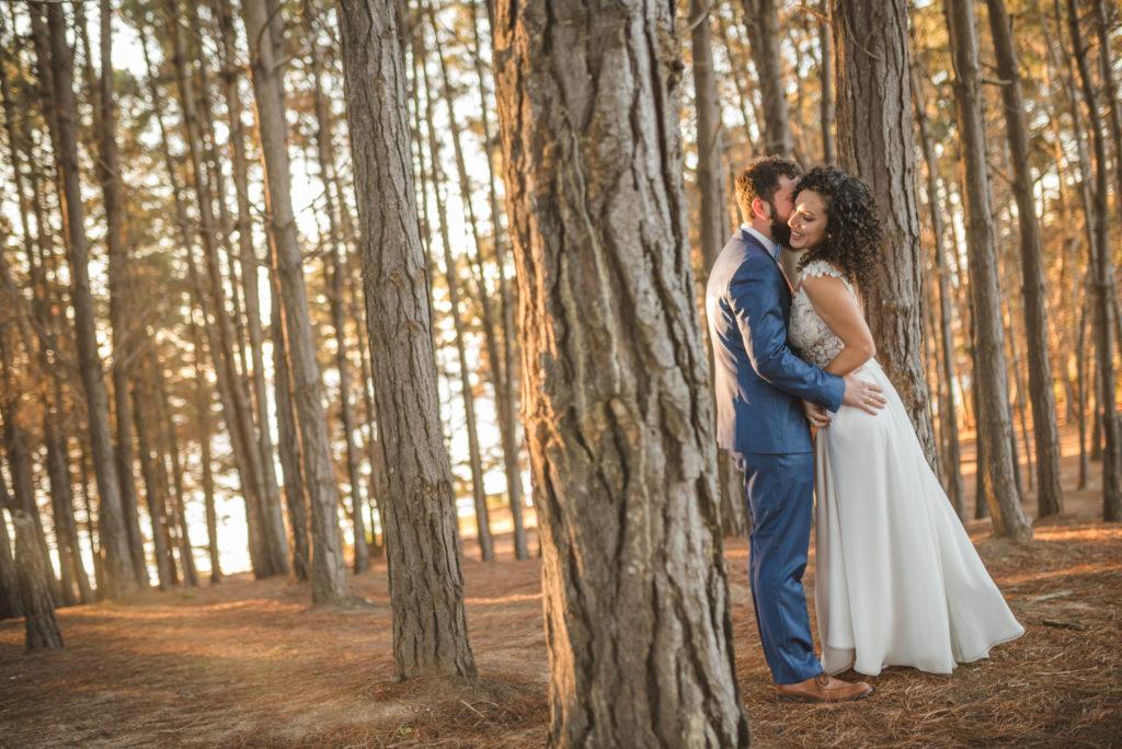 Diego Mena Fotografía documental de Matrimonios-Trash The Dress-Playa el Canelo-Valparaiso