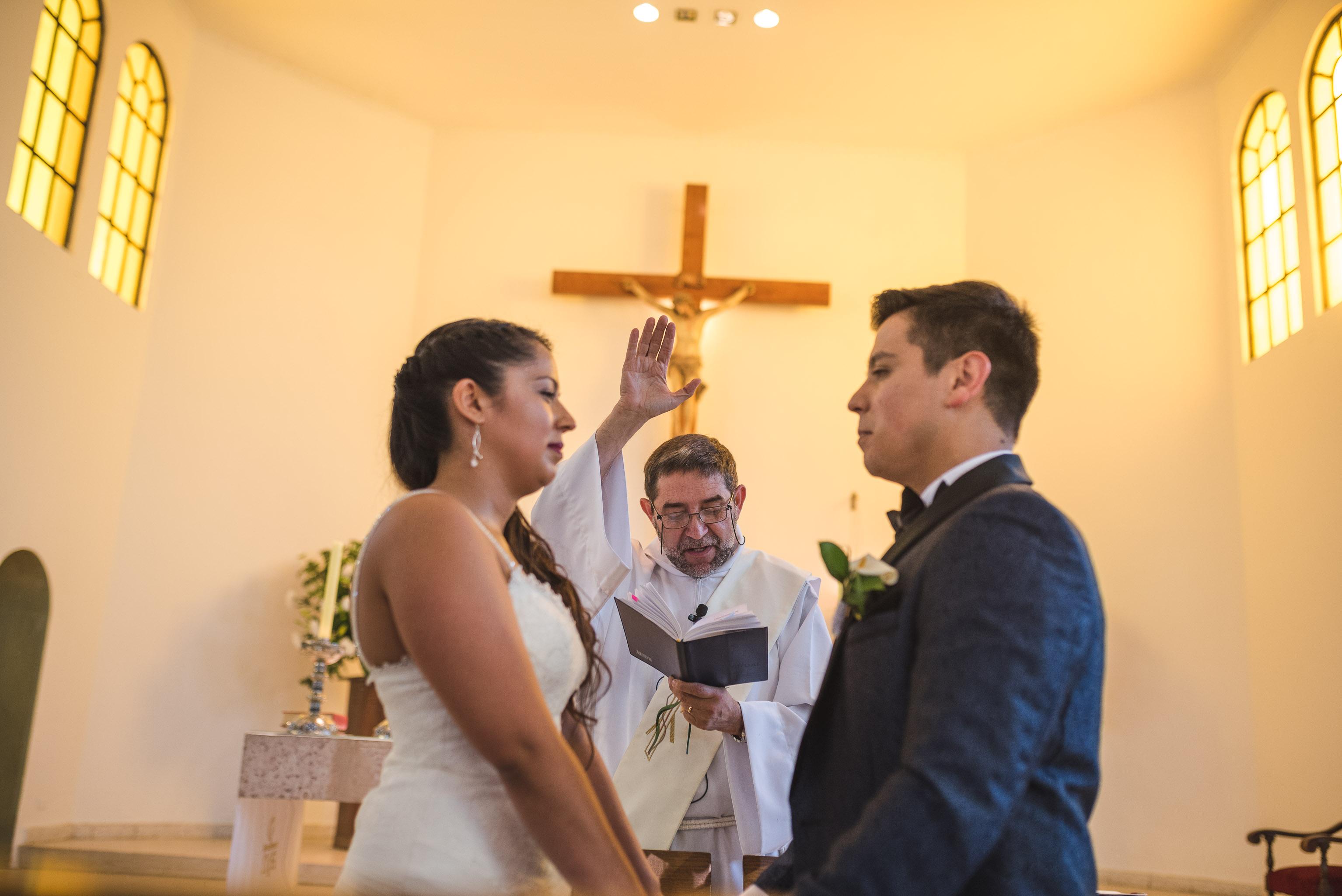 Matrimonio-centro de eventos-oliveto-santiago-fotógrafo de matrimonios-Iglesia de la Inmaculada Concepción-talagante
