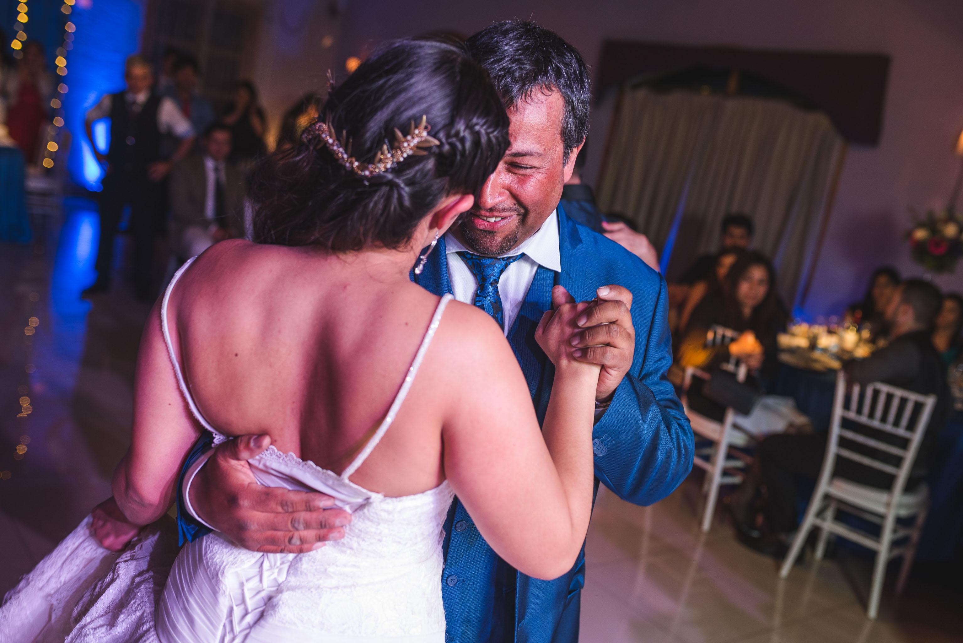 Matrimonio-centro de eventos-oliveto-santiago-fotógrafo de matrimonios-vals novios