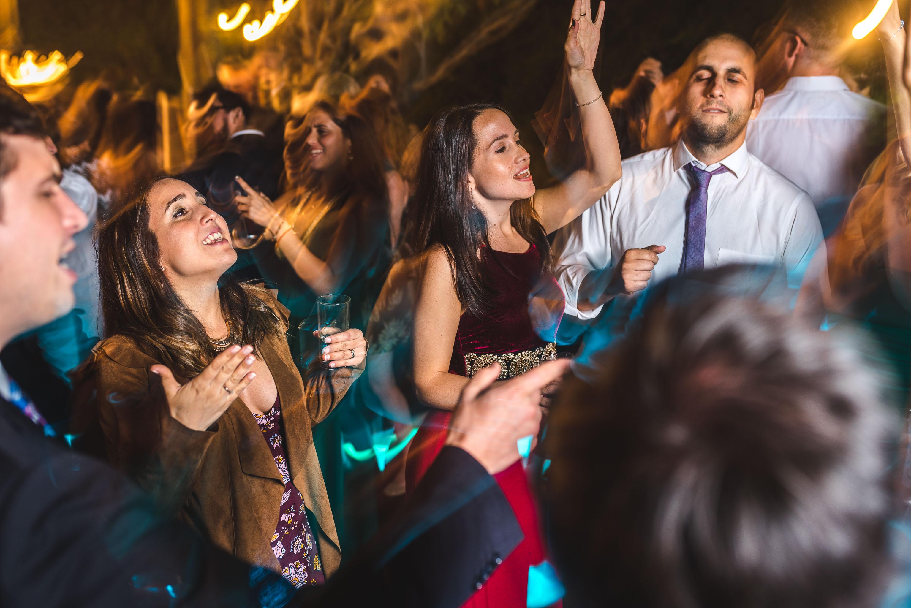 fotografo documental de matrimonios-fotografo matrimonio santiago-fiesta