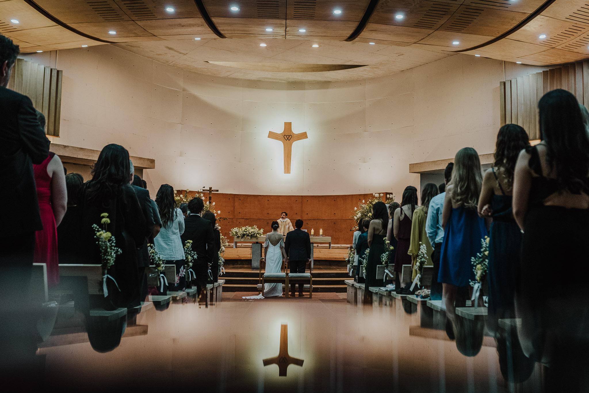 fotografo de matrimonios-preparativos novia-novia-ceremonia-iglesia sagrados corazones de manquehue
